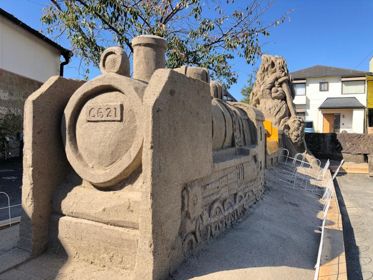 丁子屋さんの前の砂像1